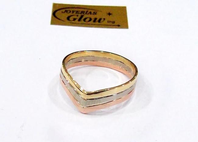 f5a82363e7f0 Anillo Tricolor Oro 18k 3 Hilos En V 4mm 4gr - Anillos - Oro 18Ktes ...