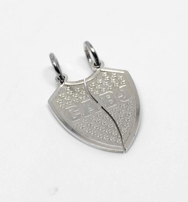 3a2ee3bd2475 Dije colgante escudo de fútbol para partir de plata 925 - Parejas - amigos